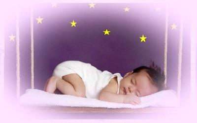 спящая девочка